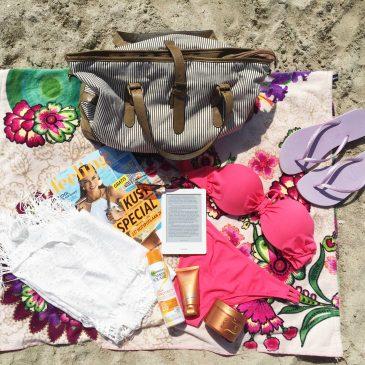 Travel: What's in my beachbag?