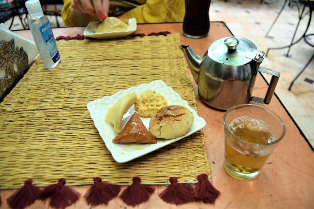 Marokkaans gebak en muntthee